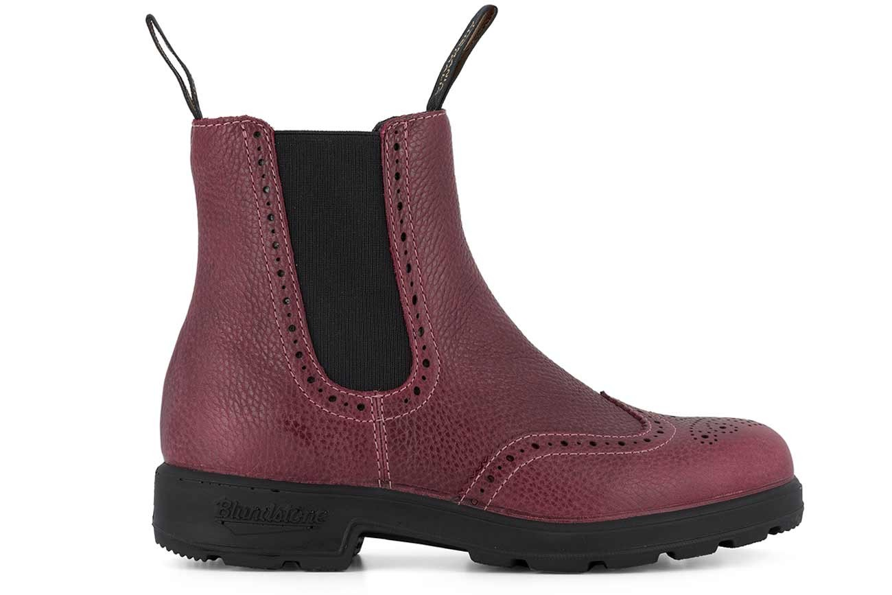 Blundstone #1383 Brogued Brodo Red